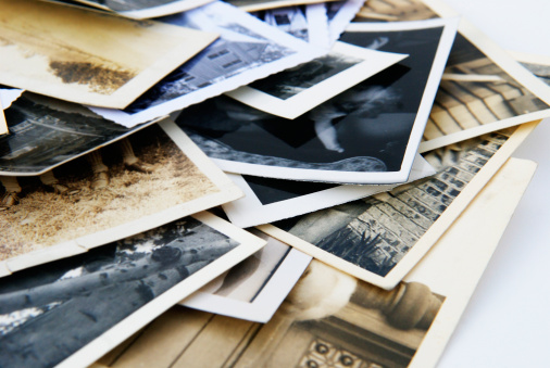 Family Tree「Old Vintage Retro Candid Photographs in a Pile」:スマホ壁紙(2)