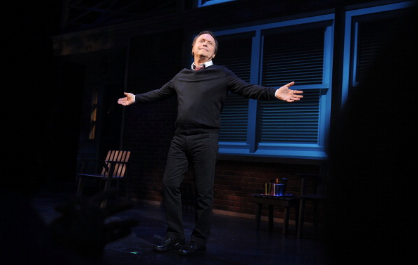 ビリー クリスタル「Billy Crystal's '700 Sundays' Broadway Opening Night - Arrivals And Curtain Call」:写真・画像(8)[壁紙.com]