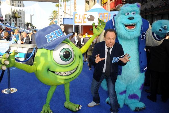 ビリー クリスタル「Premiere Of Disney Pixar's 'Monsters University' - Red Carpet」:写真・画像(17)[壁紙.com]