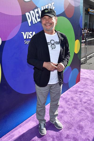 ビリー クリスタル「Los Angeles Premiere And Party For Disney-Pixar's INSIDE OUT At El Capitan Theatre」:写真・画像(18)[壁紙.com]