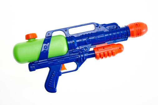 Weapon「Water gun on white」:スマホ壁紙(0)