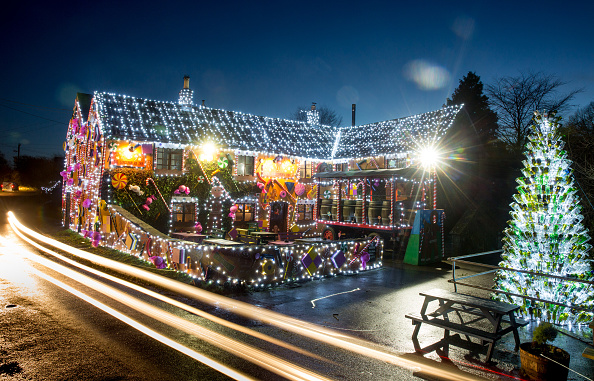 Holiday - Event「Somerset Pub Transformed Into Gingerbread Inn For Christmas」:写真・画像(19)[壁紙.com]
