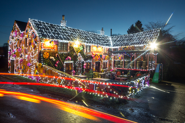Village「Somerset Pub Transformed Into Gingerbread Inn For Christmas」:写真・画像(3)[壁紙.com]