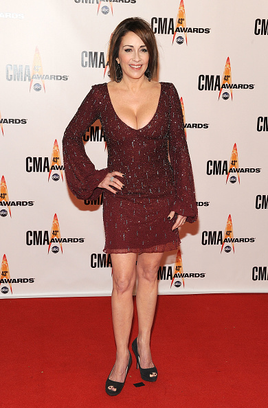 胸の谷間「The 43rd Annual CMA Awards - Arrivals」:写真・画像(6)[壁紙.com]