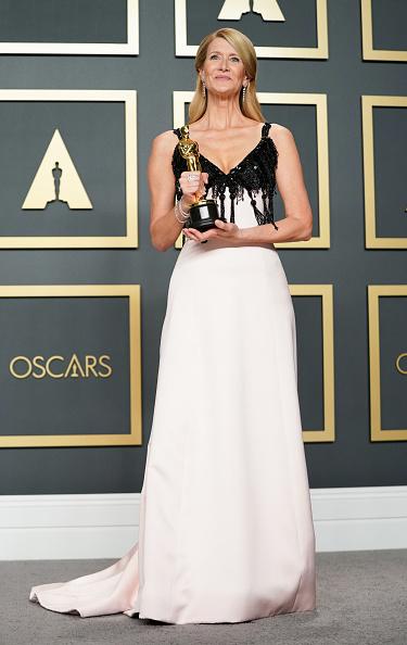 Pale Pink「92nd Annual Academy Awards - Press Room」:写真・画像(5)[壁紙.com]