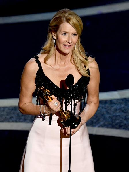Receiving「92nd Annual Academy Awards - Show」:写真・画像(6)[壁紙.com]
