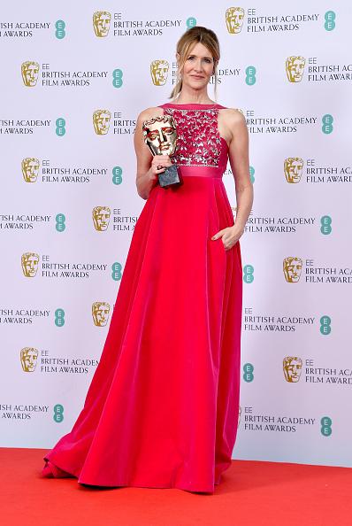 Hot Pink「EE British Academy Film Awards 2020 - Winners Room」:写真・画像(5)[壁紙.com]