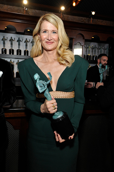 Three Quarter Length「26th Annual Screen Actors Guild Awards - Trophy Room」:写真・画像(4)[壁紙.com]