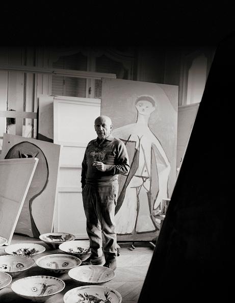 Pablo Picasso「Pablo Picasso in his villa...」:写真・画像(11)[壁紙.com]
