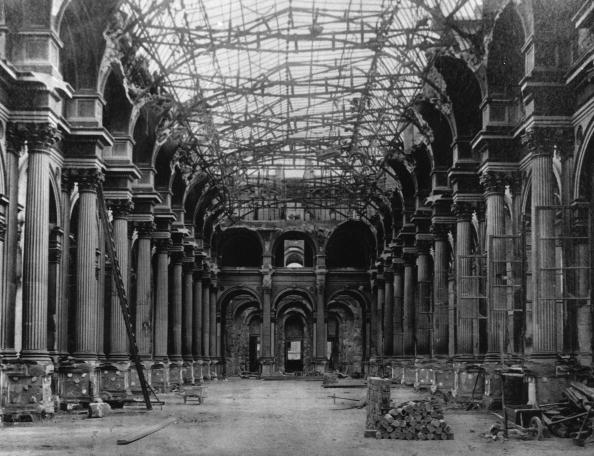 1870-1879「Ruined Louvre」:写真・画像(3)[壁紙.com]