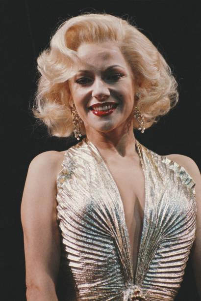 Stephanie Lawrence As Marilyn:ニュース(壁紙.com)
