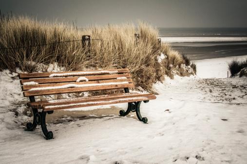 Bench「Germany, Lower Saxony, bench at the beach of Langeoog」:スマホ壁紙(11)