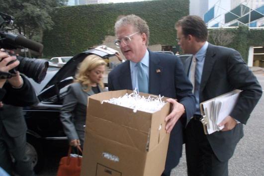 James Nielsen「Enron Shredded Documents」:写真・画像(12)[壁紙.com]
