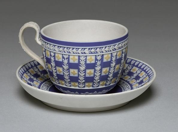 Saucer「Cup And Saucer」:写真・画像(18)[壁紙.com]