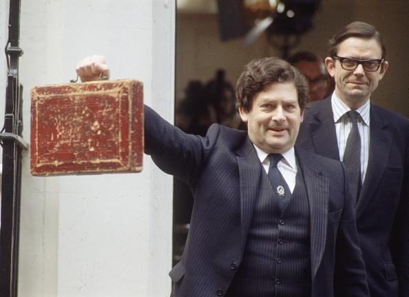 Chancellor「Budget Day Tradition」:写真・画像(18)[壁紙.com]