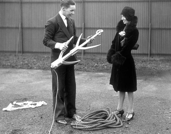 Douglas Miller「Grapnel Hook」:写真・画像(17)[壁紙.com]