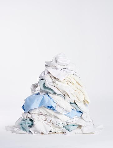 Dress「Laundry heap on the white background」:スマホ壁紙(11)