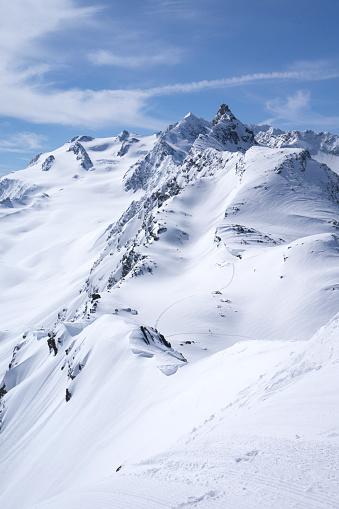 Les Menuires「France, French Alps, Les Menuires, Trois Vallees, deep snow」:スマホ壁紙(5)