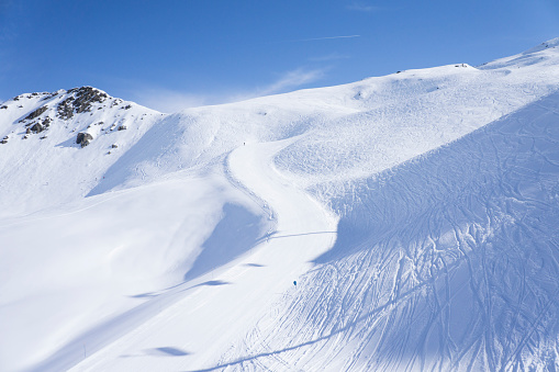 Les Menuires「France, French Alps, Les Menuires, Trois Vallees, view of empty slope」:スマホ壁紙(8)