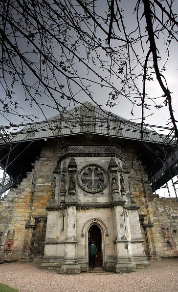 Binary Code「Thriller Novel Fans Boost Rosslyn Chapel Visitor Numbers」:写真・画像(15)[壁紙.com]