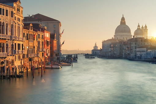 Famous Place「Canals of Venice, Italy」:スマホ壁紙(11)