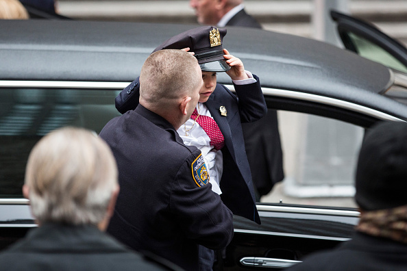 Andrew Burton「Funeral Held For US Army Sargent And NYPD Detective Killed In Afghanistan」:写真・画像(18)[壁紙.com]