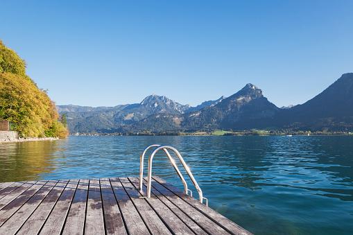 Salzkammergut「Austria, Alps, Salzburg, Salzkammergut, Salzburger Land, Wolfgangsee, public swimming spot」:スマホ壁紙(1)