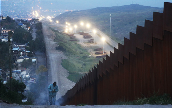 Baja California Peninsula「President Trump Threatens To Close The Southern Border With Mexico Over Immigration」:写真・画像(13)[壁紙.com]