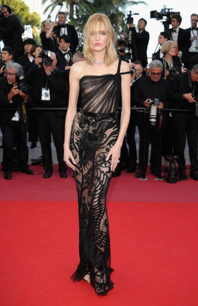 """""""Ash Is The Purest White (Jiang Hu Er Nv)"""" Red Carpet Arrivals - The 71st Annual Cannes Film Festival:ニュース(壁紙.com)"""