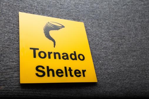 Windbreak「Yellow sign got a tornado shelter on a wall」:スマホ壁紙(13)