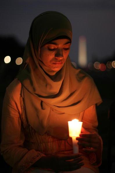 平穏「Counicl On American-Islamic Relations Sponsors 9/11 Candlelight Vigil」:写真・画像(17)[壁紙.com]