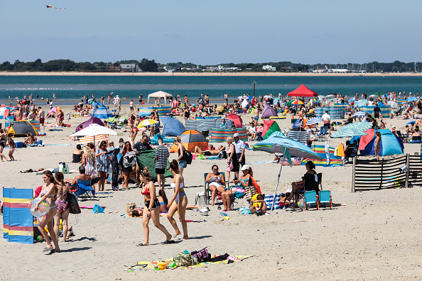 Beach「Scorching Start To The School Summer Holidays」:写真・画像(15)[壁紙.com]