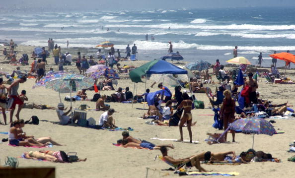 San Diego「Thousands Head To The Beaches For 4th Of July Weekend」:写真・画像(3)[壁紙.com]