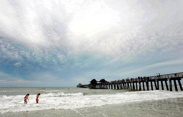 Naples - Florida「South Florida Prepares for Hurricane Wilma」:写真・画像(11)[壁紙.com]