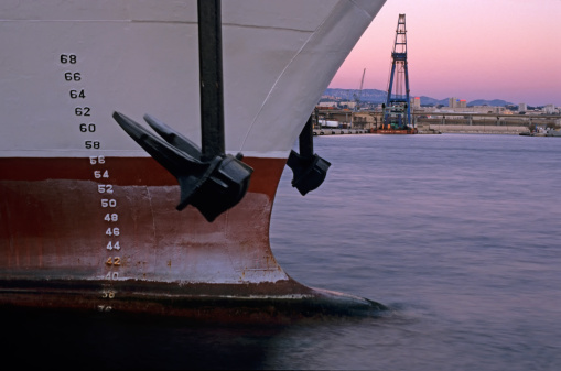 Anchor - Vessel Part「Anchor and Depth Markers of cargo ship, dusk」:スマホ壁紙(1)