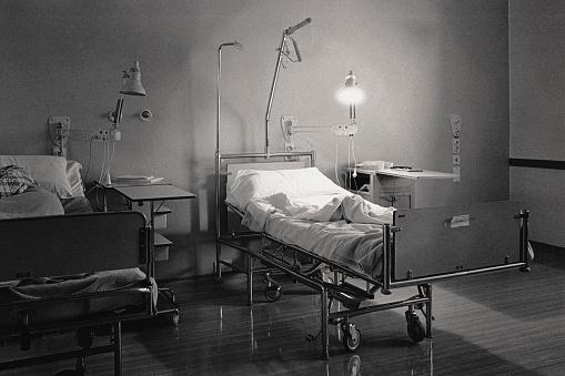 Illness「Vintage image of hospital bed」:スマホ壁紙(8)