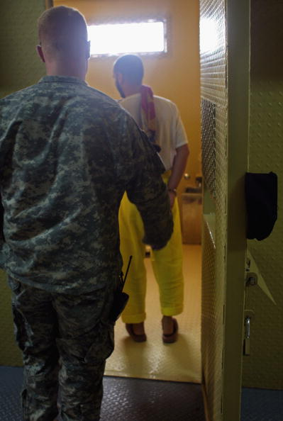 Camp Cropper「US Military Holds Thousands Of Detainees In Baghdad Prison」:写真・画像(19)[壁紙.com]