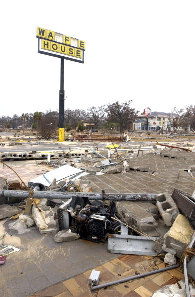 Recovery「Conditions Deteriorate In Aftermath Of Hurricane Katrina」:写真・画像(13)[壁紙.com]