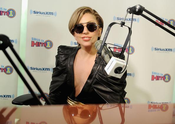Radio「Lady Gaga Visits SiriusXM」:写真・画像(14)[壁紙.com]