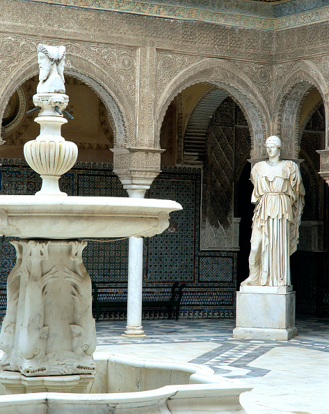 Tiled Floor「Fountain and statue in a courtyard」:写真・画像(16)[壁紙.com]