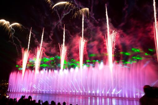 Music Festival「fountain and fireworks show」:スマホ壁紙(16)