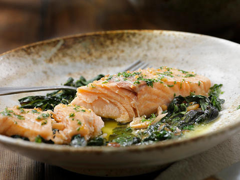 Pine Nut「Lemon, Garlic and Butter Poached Salmon with Swiss Chard and Toasted Pine nuts」:スマホ壁紙(5)