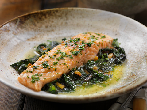 Pine Nut「Lemon, Garlic and Butter Poached Salmon with Swiss Chard and Toasted Pine nuts」:スマホ壁紙(11)