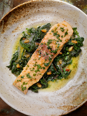 Pine Nut「Lemon, Garlic and Butter Poached Salmon with Swiss Chard and Toasted Pine nuts」:スマホ壁紙(16)