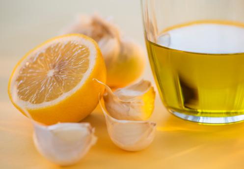 Garlic Clove「Lemon, garlic and jar of honey」:スマホ壁紙(17)