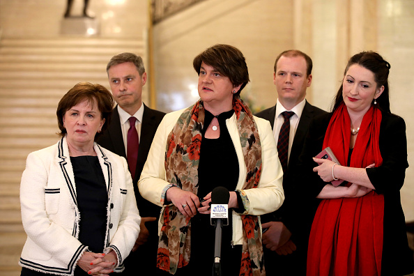 Five People「Cross Party Talks Are Held Aimed At Restoring A Powersharing Government In Stormont」:写真・画像(14)[壁紙.com]