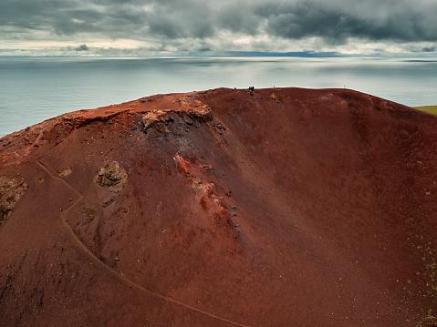 Volcano Islands「Edge of Eldfell Volcano, Heimaey, Westman Islands, Iceland」:スマホ壁紙(6)