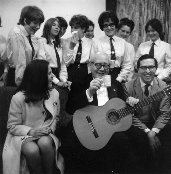 John Williams - Guitarist「Segovia At School」:写真・画像(16)[壁紙.com]
