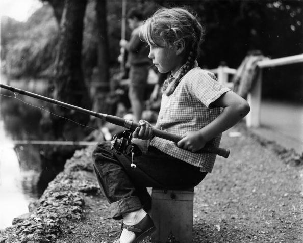 Profile View「Little Fisherwoman」:写真・画像(3)[壁紙.com]