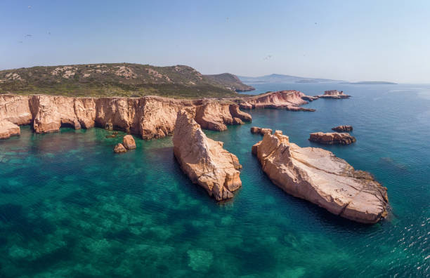 Siren Cliffs and Rocks, Orak Island, Foca, Izmir, Turkey:スマホ壁紙(壁紙.com)
